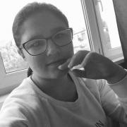 Amina, 17