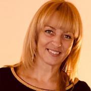 MiklosIldiko, 49