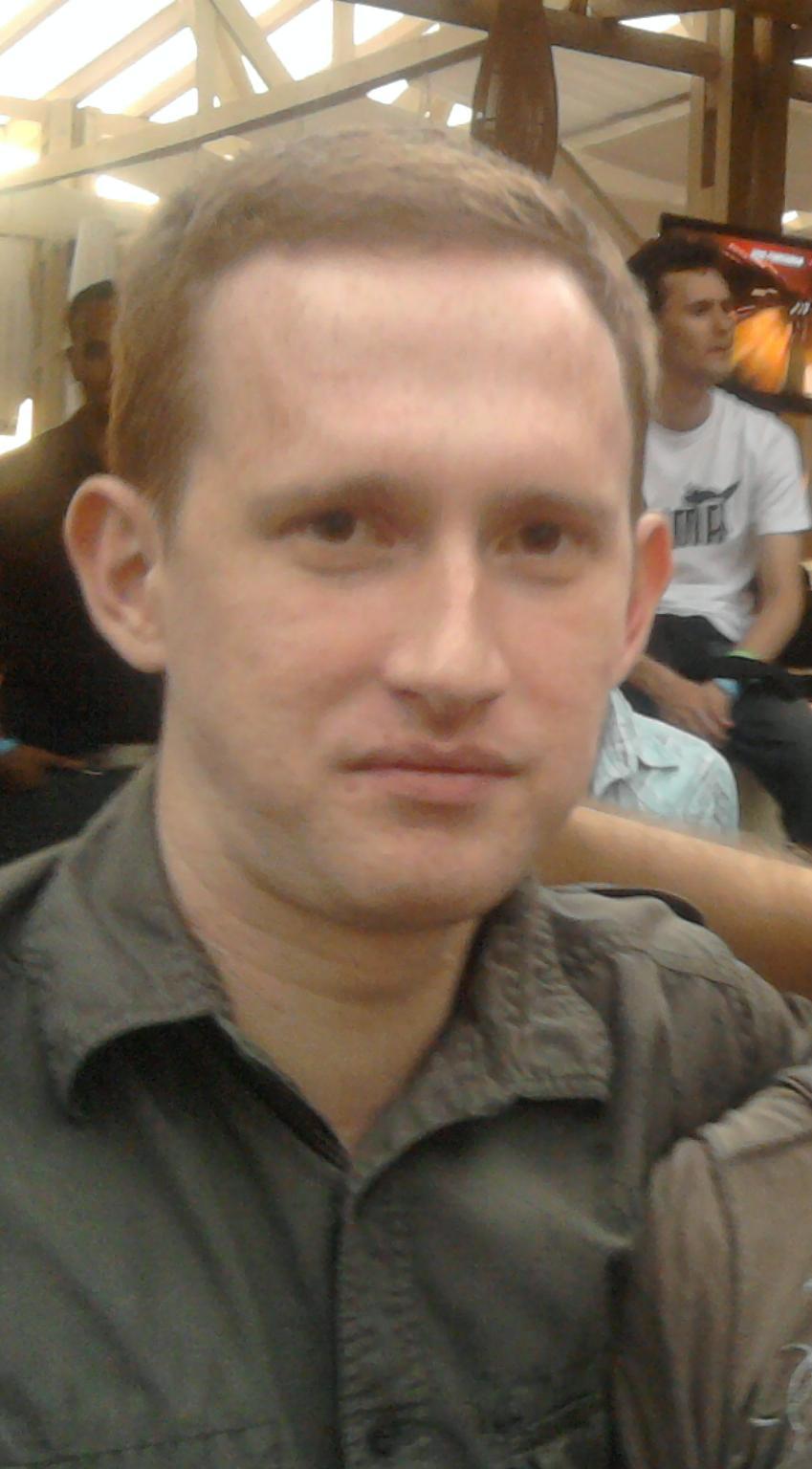 Ádám83Mi, 37