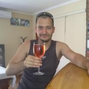 JamieV, 27