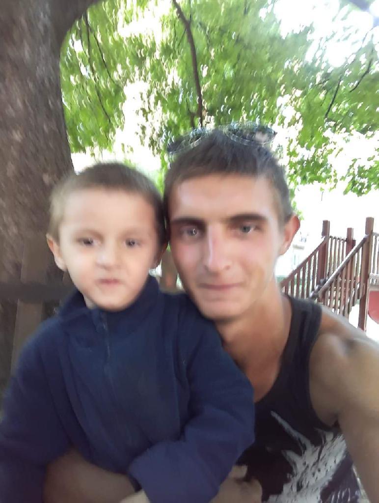 Alexander21, 23