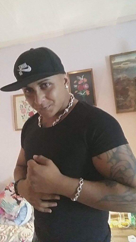 Cubano, 28