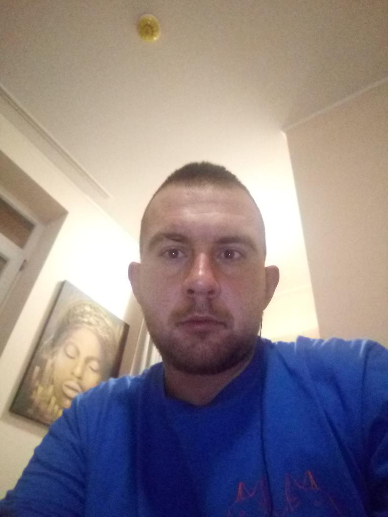 Istvánk, 24