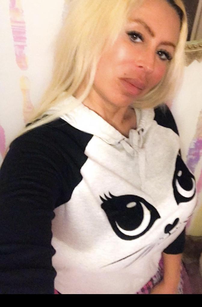 MelissaB, 42