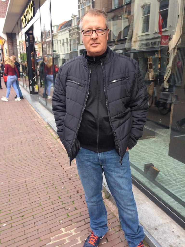 Valcsev, 45