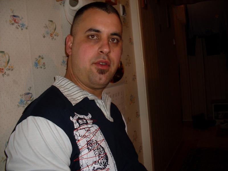 manINred, 44