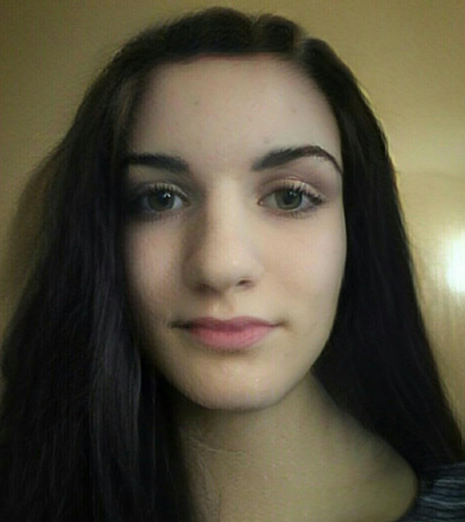 LiliánaNina, 19