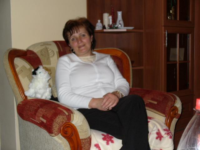 Meczenzóf Mária, 63