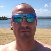 Peett, 39