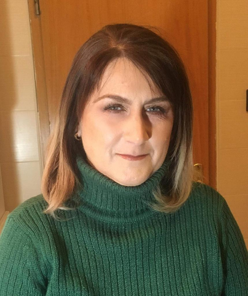 Suzy23, 48