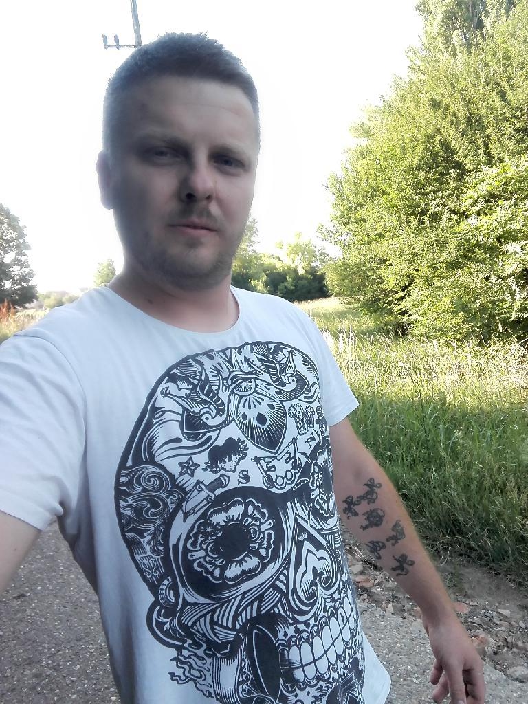 sárinorbi, 28