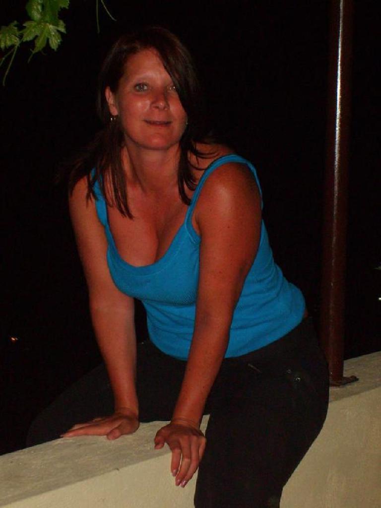 Julietlarry, 56