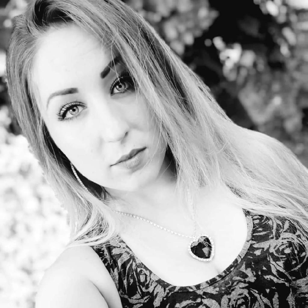 Andrea_aa, 23