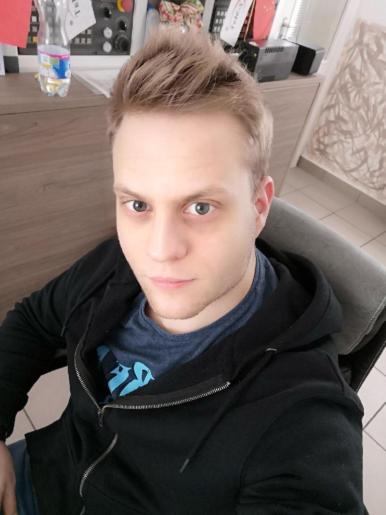 MDániel, 24