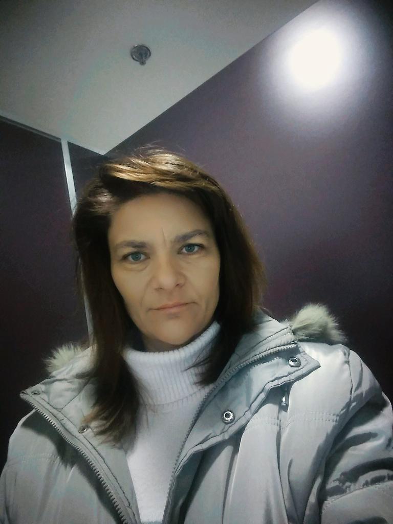 Mónikaaaa, 42