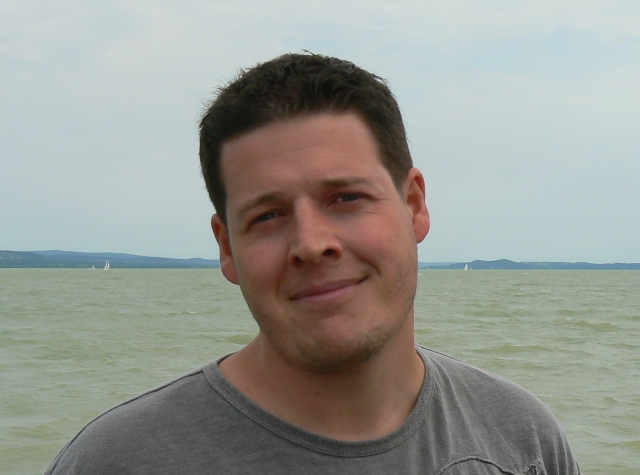 tothzi, 44