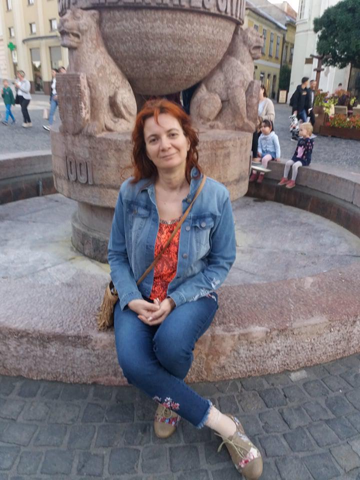 Andie, 49