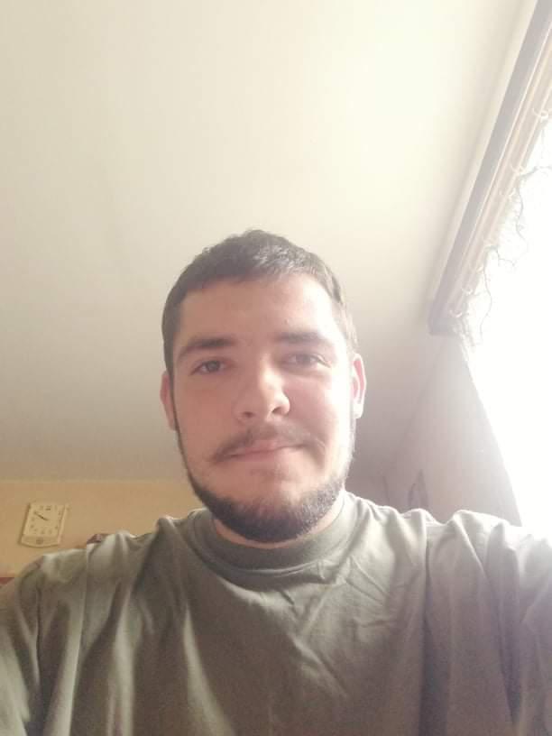 Tomi_., 19