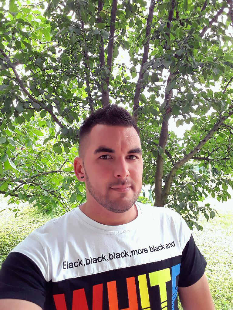 Lacimacis, 35