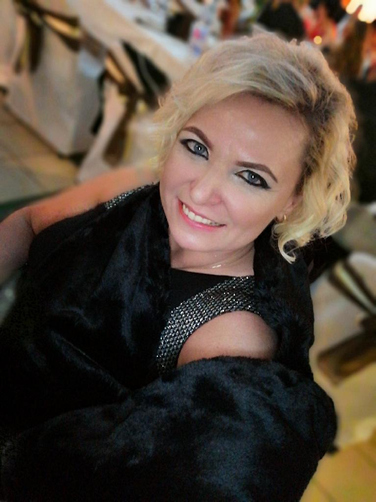 Audreyaudrey, 42