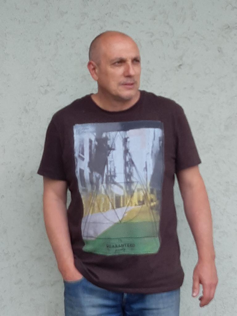 cafeboy, 50