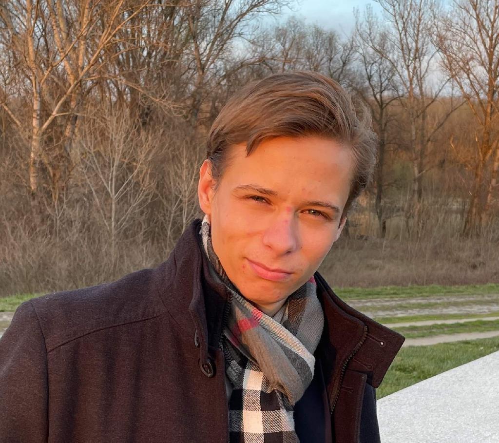LászlóKlem, 23